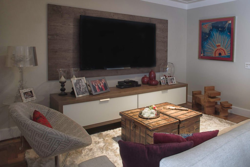 Cozy TV room