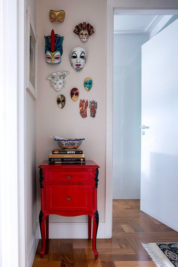 Eclectic_entryway