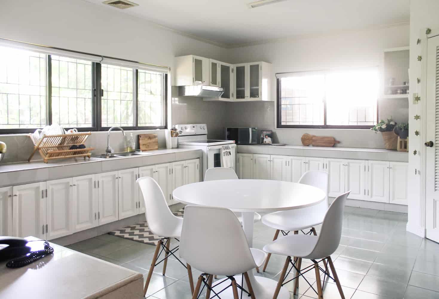 Kitchen White Breakfast Table 2 3