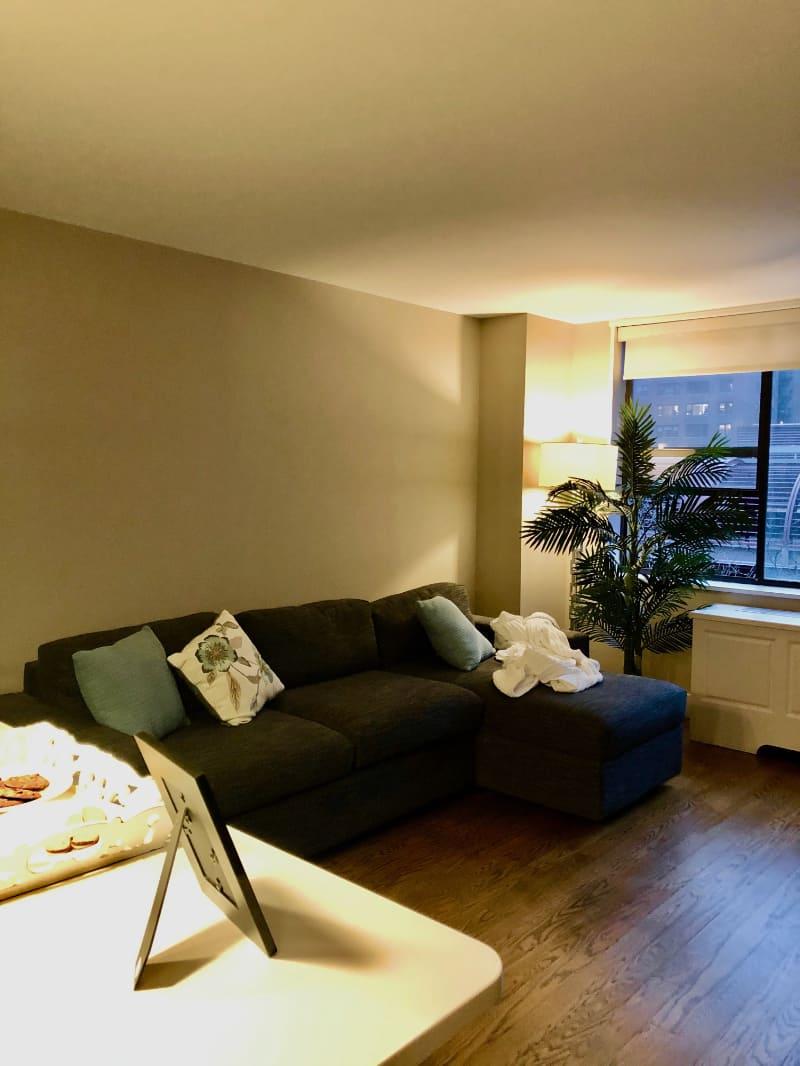 livingroom Before 2